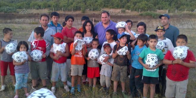 La alegría invade a niños de Dalcahue