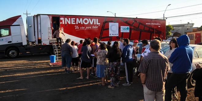 Cine Móvil llega a  Dalcahue para celebrar el Mes del Cine Chileno